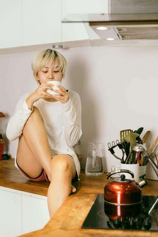 10 Clever ways that'll get you waking up with loads of energy - Everything Abode