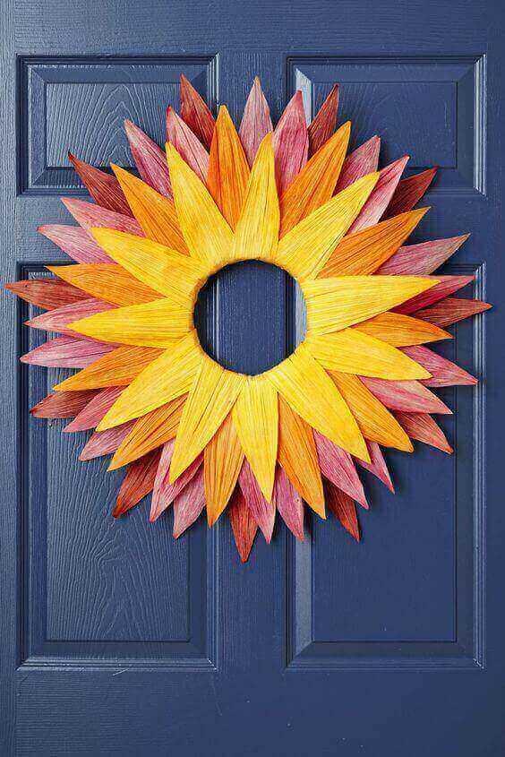 15 Stylish and Cheap DIY Fall Wreaths via @everythingabode