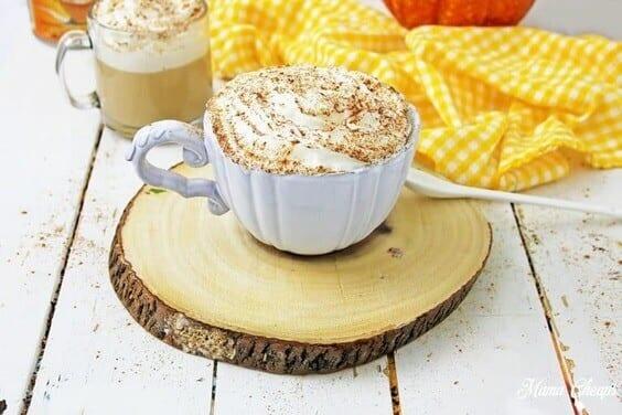 Easy Homemade Pumpkin Spice Latte Recipe via @everythingabode