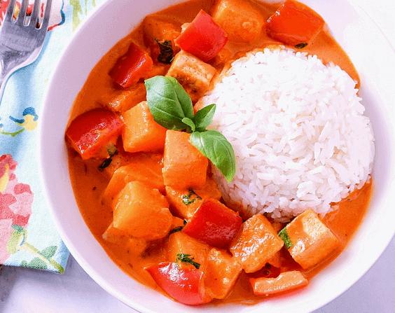 Easy Pumpkin Curry via @everythingabode