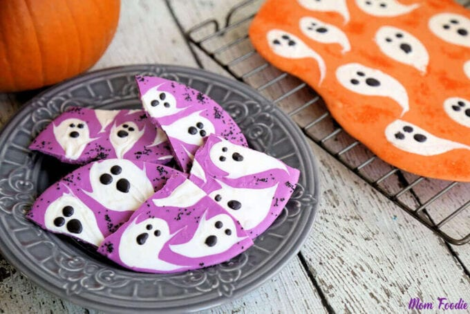 Halloween Ghost Chocolate Bark