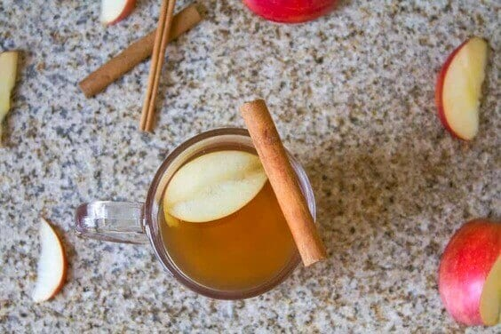 Homemade Hot Apple Cider via @everythingabode