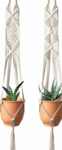 Macrame Plant Hanger via @everythingabode
