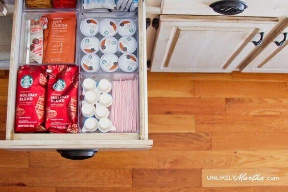 ORGANIZE YOUR DRAWERS WITH PLASTIC DRAWER ORGANIZERS