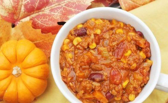 Vegetarian Pumpkin Chili via @everythingabode
