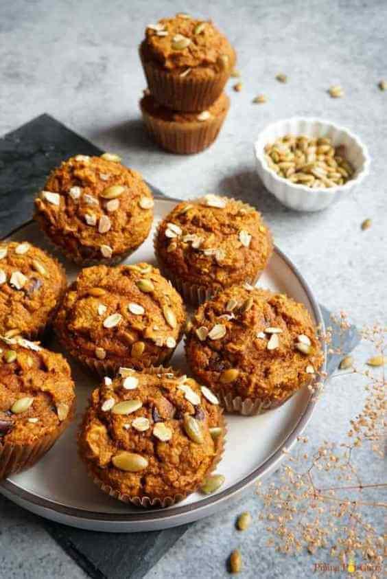 Whole Wheat Pumpkin Oatmeal Muffins via @everythingabode
