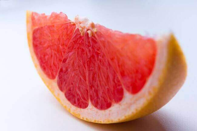 7 Top Weight Loss Superfoods That'll Help You Lose Weight - grapefruit - Everything Abode