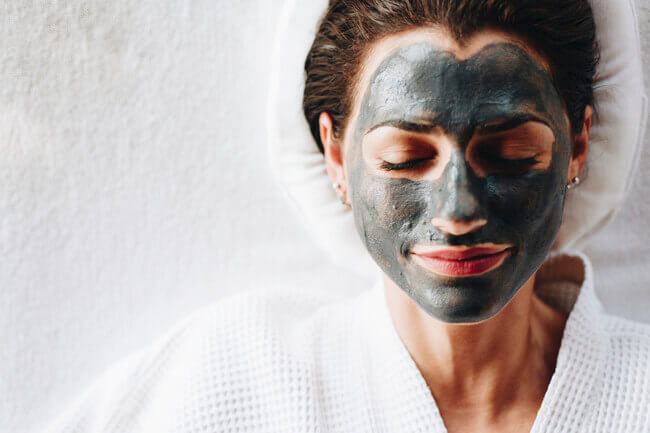How To Enjoy A 'Self-Care Sunday' - spa day at home - Everything Abode