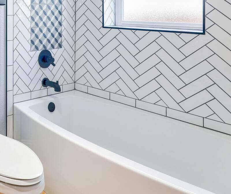 Get rid of bathtub mildew - Everything Abode
