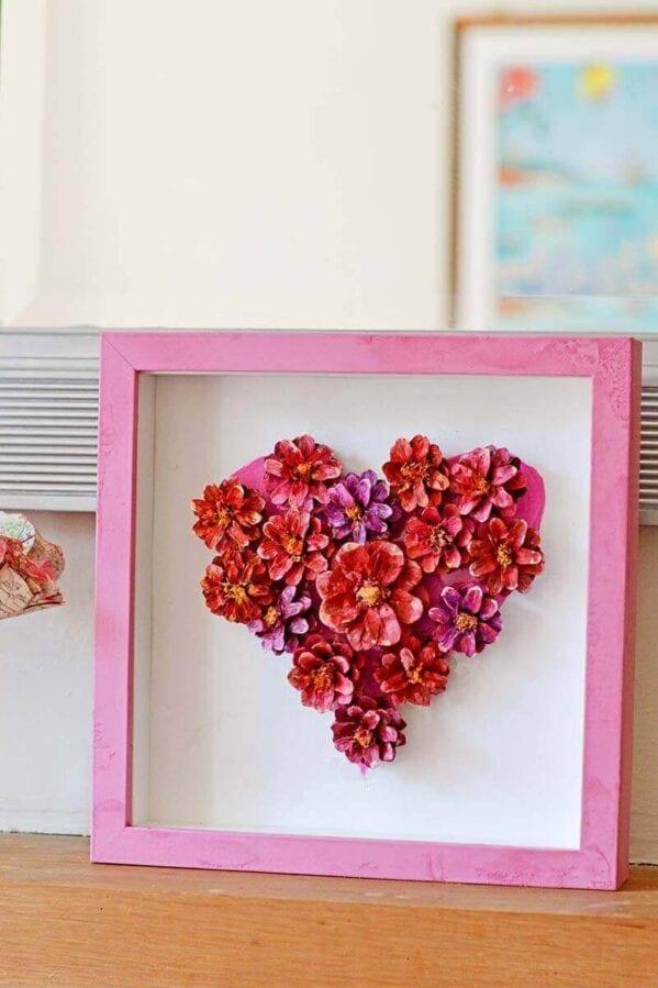 Valentine's Craft Idea #6. PINECONE FLOWER HEART DECORATION - Everything Abode