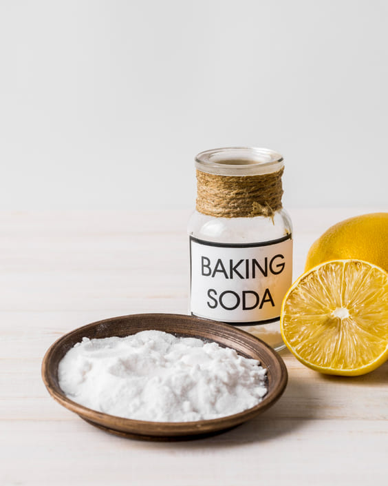 baking soda in garbage can reduce bad smelling odors
