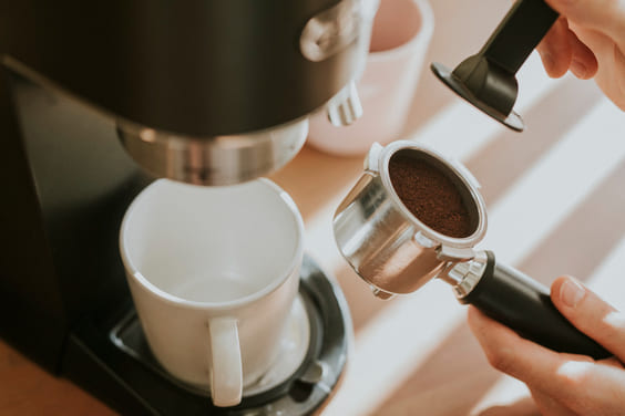 coffee grounds can make homes smell fresh