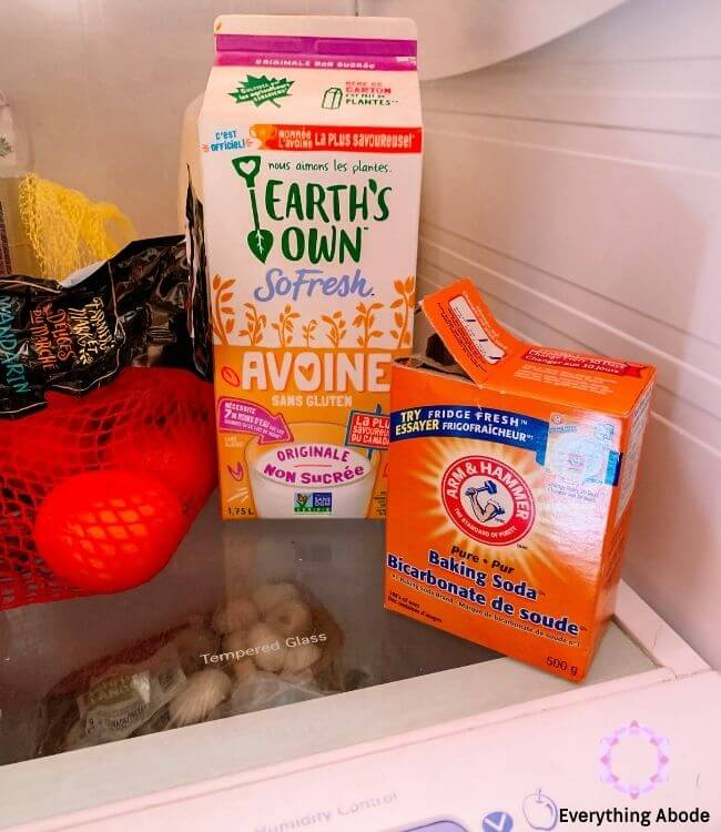 place baking soda in fridge to keep your home smell good